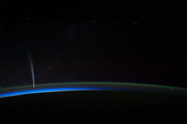 Комета ЛавДжой, через месяц она сгорит на Солнце