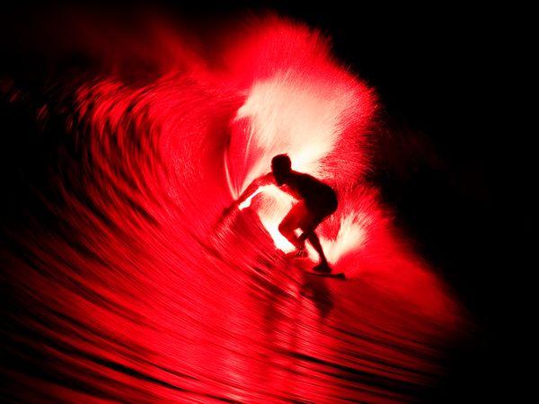 Брюс Айронс, файер-серфинг, фото:Jason Kenworthy