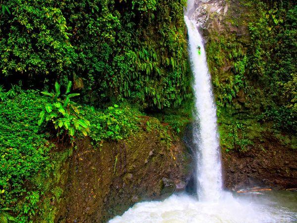 Водопад Ла Пас, Коста-Рика,фото:Lucas Gilman