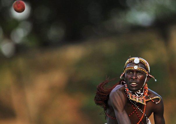 Ловец команды войнов Масаай, фото:Carl De Souza