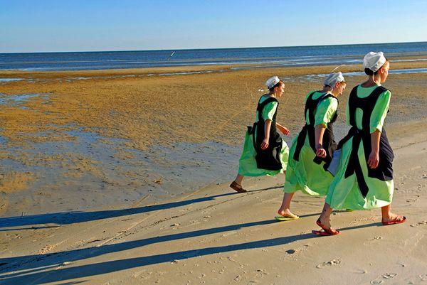 Амиши на пляже, фото:Johnny Nicoloro