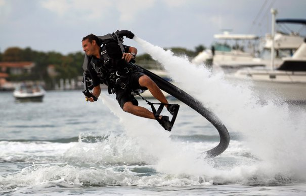 Полеты над водой, фото:Joe Raedle