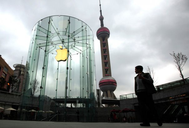 Корпорации Apple  - монумент поклонения в городе Пудонг, фото:Carlos Barria