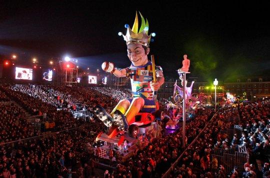 Король 128-го карнавала в Ницце.