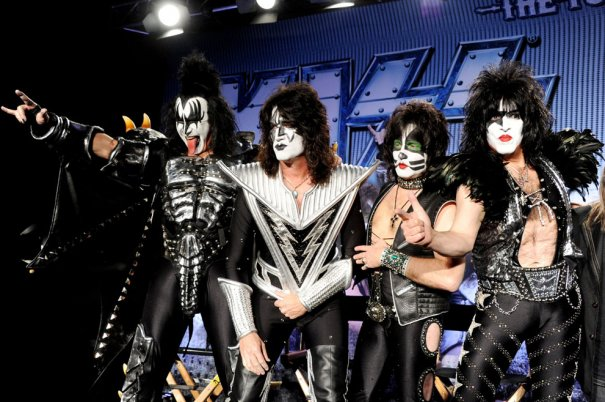 """группа 'Kiss"""" - cамый знаменитый и необычный """"Поцелуй"""""""