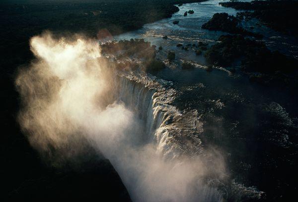 Водопад Виктория, фото: James L. Stanfield