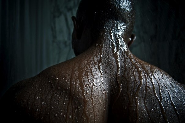 """Man back in shower"" , фото:Manjari Sharma"