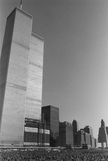 Лучшее в его карьере были Джон Леннон и Йоко Оно, худшее - взрыв торговых центров в Нью-Йорке! - №7