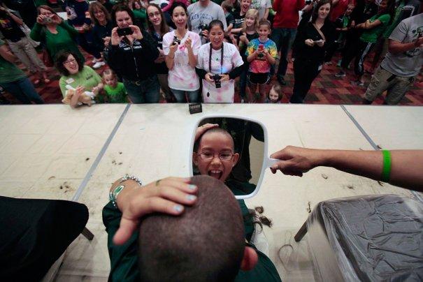 Истинная радость освобождения...девушки..от волос... фото:Hyunsoo Leo Kim