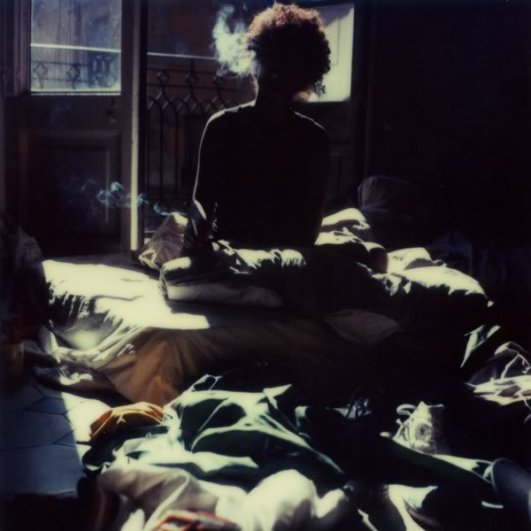 Проснулся утром: спокойно,солнечно, одиноко.