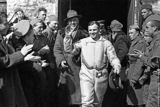 После приземления, 12 апреля 1961 год.