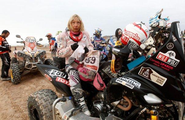 Женщины тоже участвуют в ралли. Ралли Дакар-2012, фотограф: Jacky Naegelen
