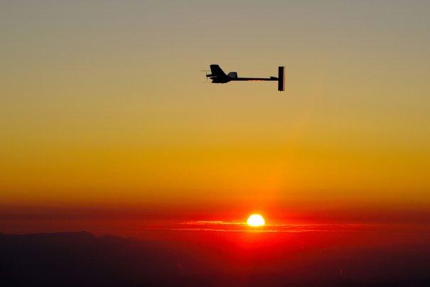 "Самолет на солнечных батареях - ""Солнечный импульс"", фото:Fabrice Coffrini"