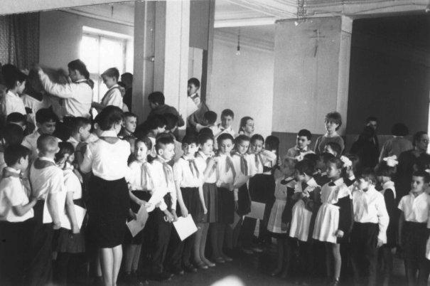 Пионеры на собрании в школе,СССР, 1971 год.