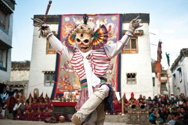 Фестиваль ТиДжи, ритуальный танец монаха - борьбы зла и добра, фото: Тэйлор Вэйдман.