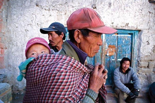 Фермеры собираются на церемонию в храм, фото: Тэйлор Вэйдман