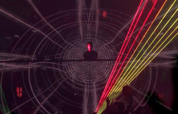 лазерное Шоу на выступлении DJ Calvin Harris, фото: Mark Davis