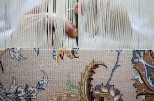 Ткацкий станок для производства ковров, фото: Morteza Nikoubazl