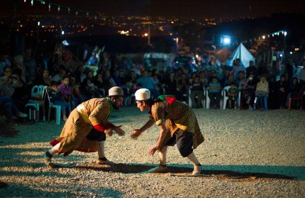 Традиционная игра - бои Дорна -Бази, фестиваль сельскохозяйственных культур, фото:Morteza Nikoubazl