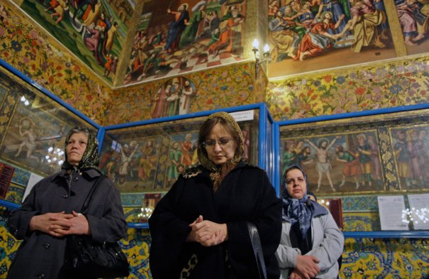Молитва в христианской церкви на Рождество Христово, фото: Vahid Salemi