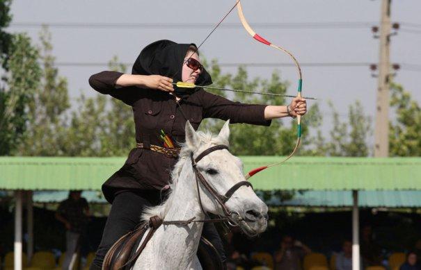 Шива Макхакери, мастер спорта по стрельбе из лука, фото: Vahid Salemi