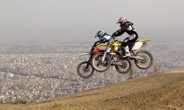 Иранские мотогонщики, фото: Caren Firouz