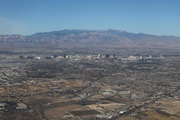 Застройка пустыря недалеко от Лас-Вегаса, штат Невада, фотограф: Bruce Bennett