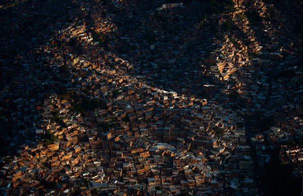 Трущобы Петаре, Каракас, Венесуэла, фотограф: Leo Ramirez