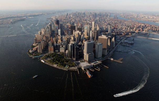 Манхэттен перед закатом, Нью-Йорк, фотограф: Lucas Jackson