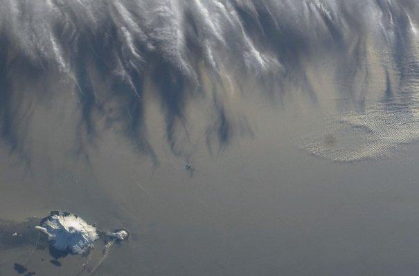 Индийский океан, остров Херд, вулкан Моусон, фотография сделана с космической станции.