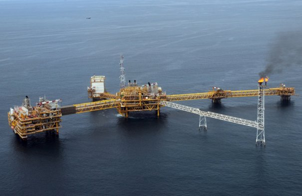 Нефтяная платформа Amenem, в 35 км от Порта Харкорта. Нигерия, фото: Pius Utomi Ekpei