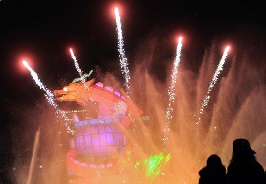 Шоу,которое устроили студенты Пекина (фото:Jin Liangku)