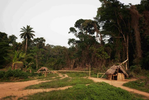 Граница между Либерией и Сьерра-Леоне, фото:Finbarr O'Reilly