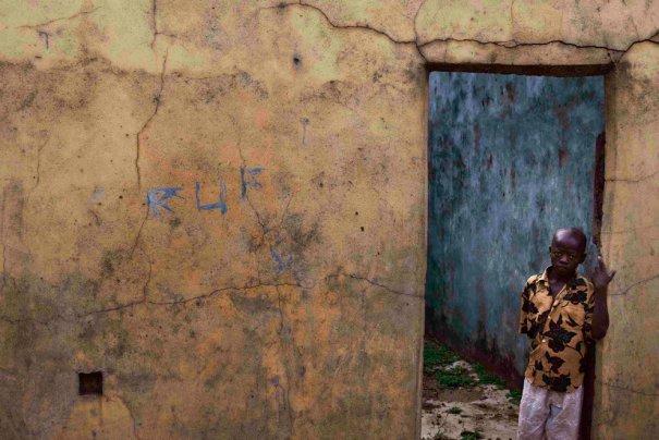 Когда этому мальчику было три году , он здесь жил, фот: Finbarr O'Reilly