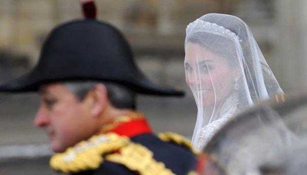 Будущая принцесса подъезжает к Вестминистерскому аббатству, фото: Toby Melville