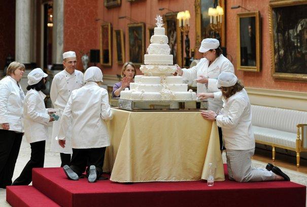 8-этажный свадебный торт, фото: John Stillwell