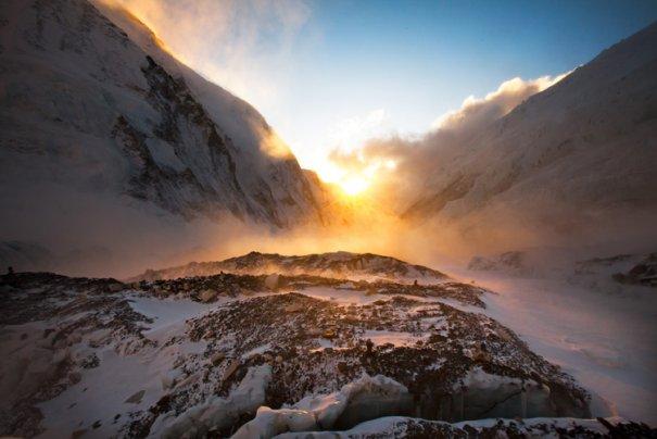National Geographic переносит нас на самую высокую гору в мире - №8