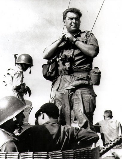 Умер легендарный военный фотограф Хорст Фаас - №7