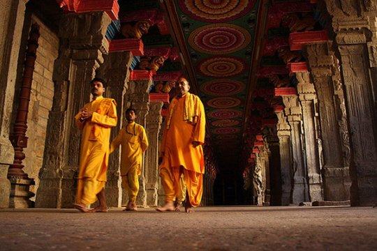 Будийские монахи