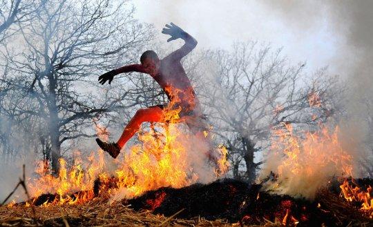 Огонь-одно из препятствий