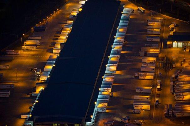 Огромные складские помещения, Сметвик, Западный Мидленд.