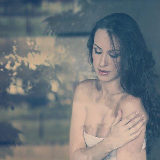 Красота и женственность в портретах Анны Теодоры - №4