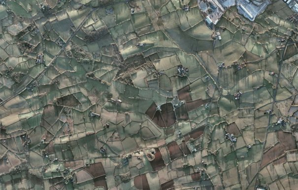 (© Google, DigitalGlobe)