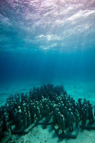 """Подводные """"люди"""" (фото:Barcroft Media/Fame Pictures)"""
