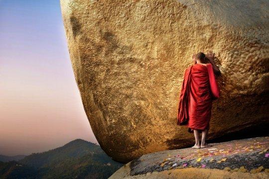 Золотая скала, Мьянма (фото: David Lazar)