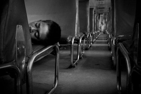 """""""Без крова"""", Джаккарта,Индонезия(фото:Budi Prakasa)"""