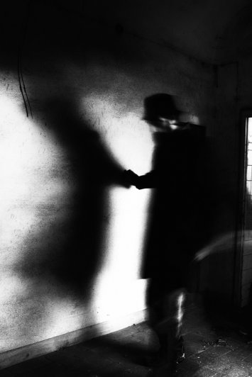 Черно-белые автопортреты Массимилиано Сарно - №16