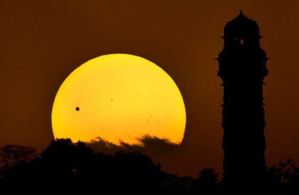 (AP Photo/Atish Aman)