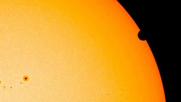 (NASA/SDO HMI)