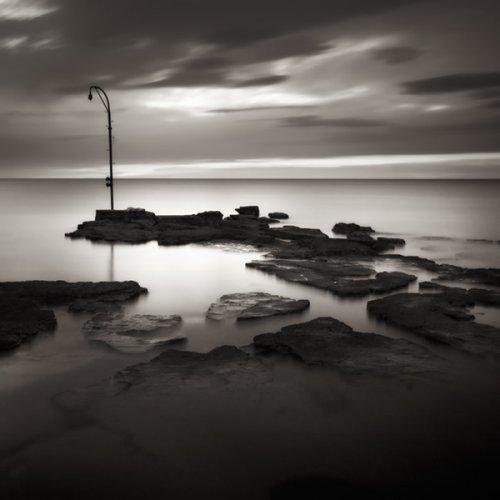 """""""Освещенная неулица"""" (фото:Denis Grzetic)"""